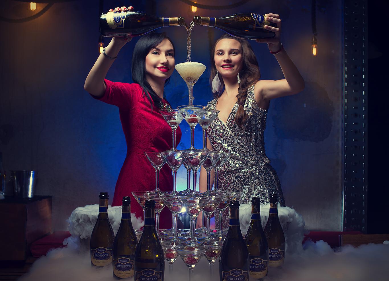 <p>Горка шампанского. Самый праздничныйнапиток Шампанское. Самый яркийфейерверк и фонтан шампанского удивит ваших друзей. Отличный способ весело и интересно отметить корпоратив. Красочная пирамида из бокалов с праздничным украшением и вкусным дополнением в бокале. Пирамида на 56 бокала с основой в форме равнобедренный треугольник у вас в офисе, дома или на любой [&hellip;]</p>
